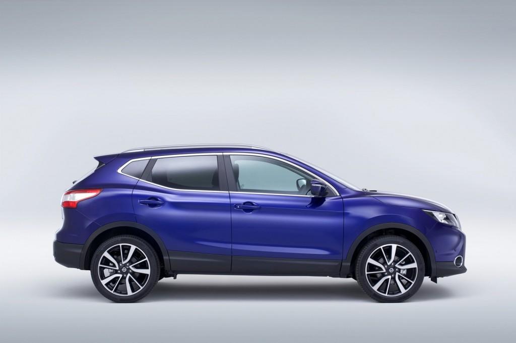 2014-Nissan-Qashqai-Profile