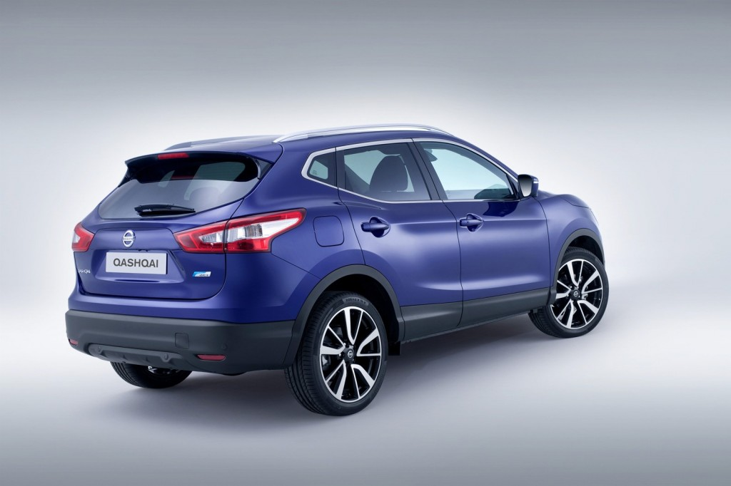 2014-Nissan-Qashqai-Rear-Three-Quarters