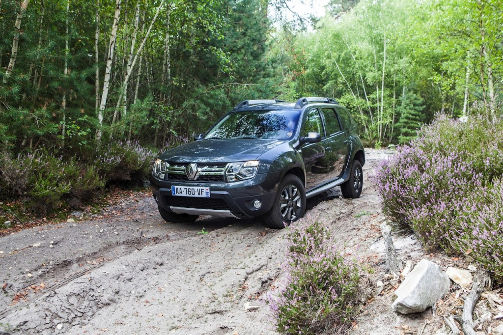 2014-Renault-Duster-Facelift-Pics (4)