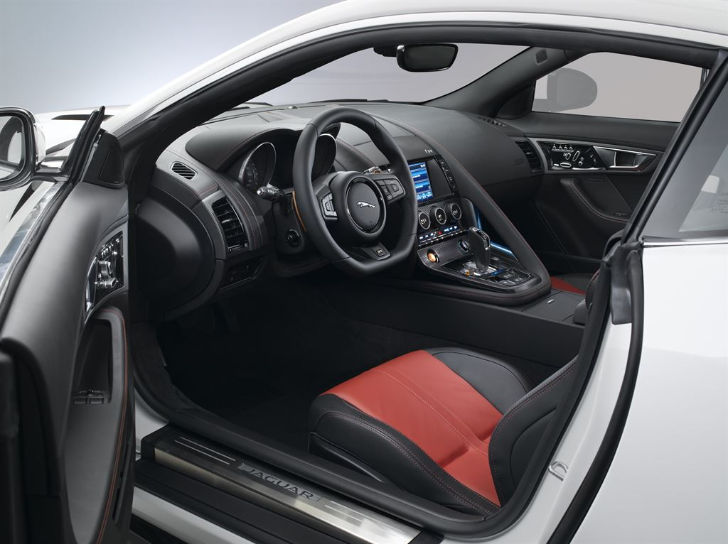 Jaguar-F-Type-Coupe (8)