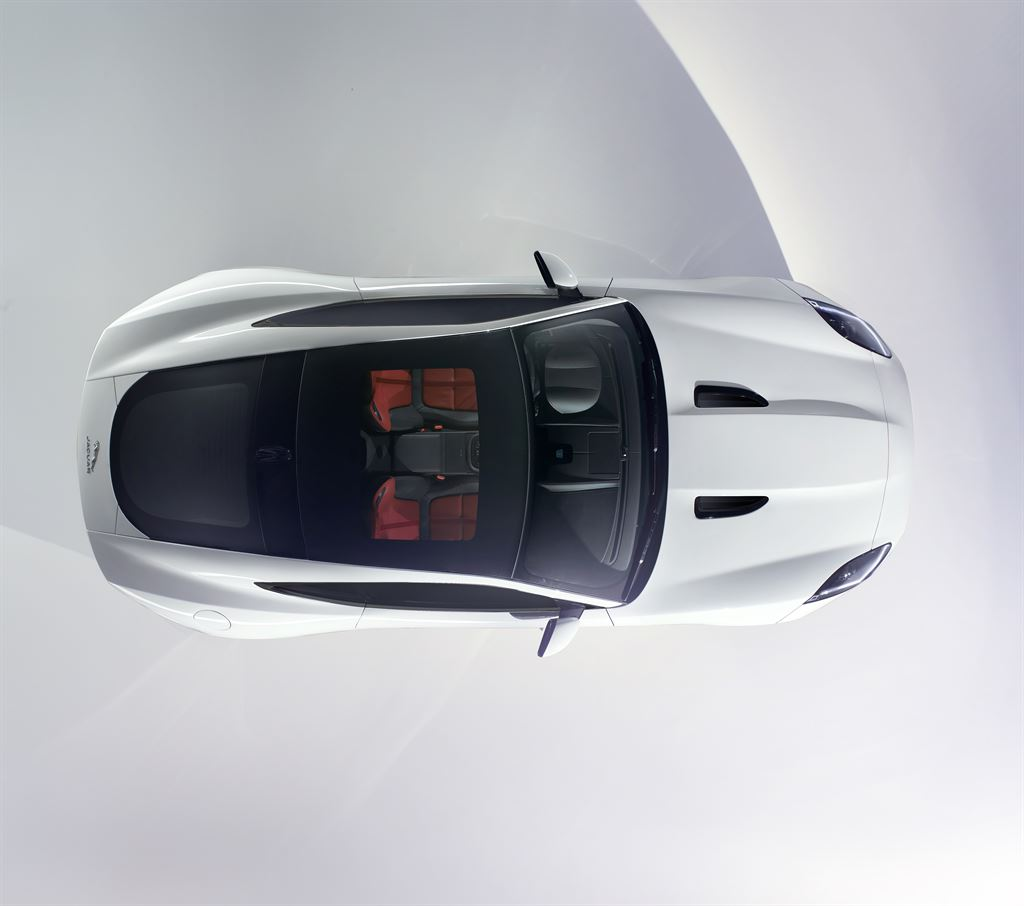 Jaguar-F-Type-Coupe-Debut