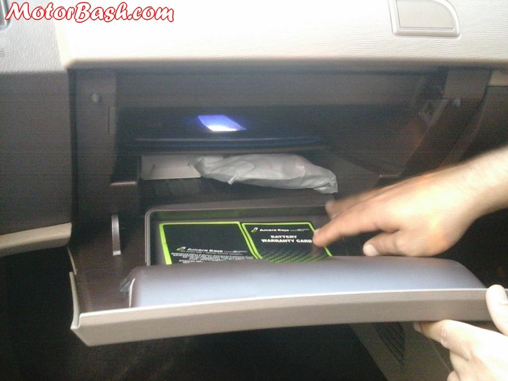 Mahindra-XUV500-W4-Glove-Box