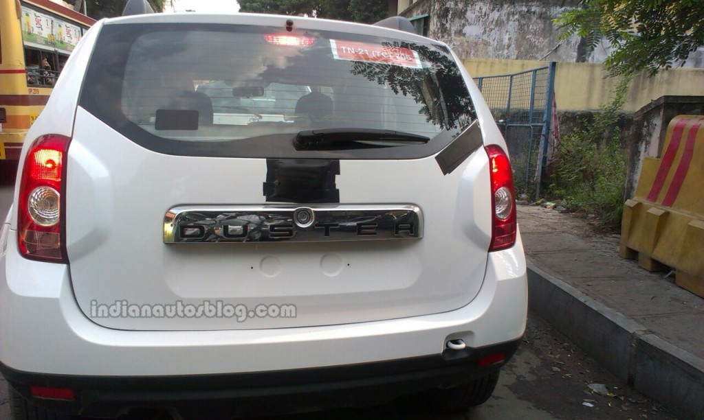 renault duster 4wd spied testing in india launch uncertain. Black Bedroom Furniture Sets. Home Design Ideas