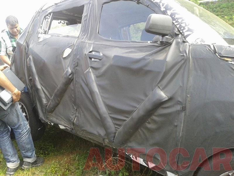 Mahindra-S101-Crash-Spy-Pics (1)