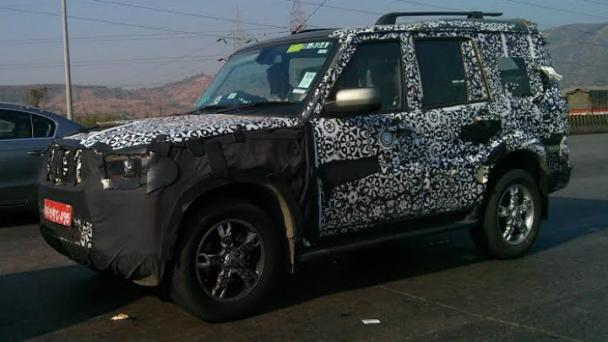 Scorpio-Facelift-Caught-on-Test