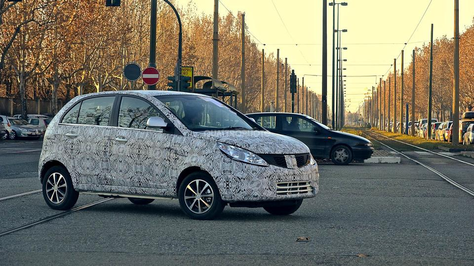 Tata-Vista-Facelift-Spied-in-Italy-Front