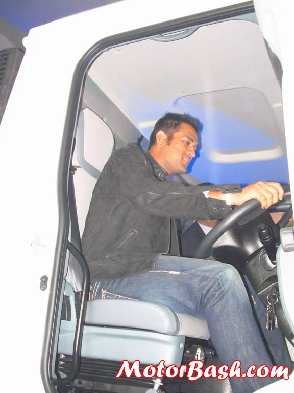 Ashok-Leyland-Captain-2523-Tipper (2)