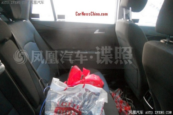 Hyundai-ix25-legroom-rear-ac