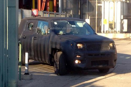 Jeep-Entry-Level-Crossover-Jeepster-spied-Front