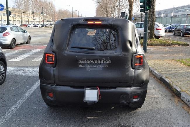Jeep-Jeepster-Spy-Pic (3)