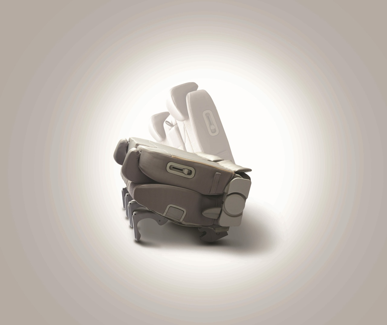 Mahindra-Quanto-Folding-Yoga-Seats (1)