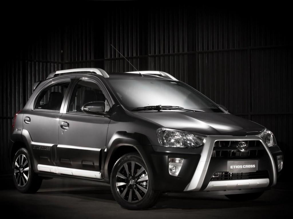 Toyota Etios Cross Spy Pics From Pune Auto Expo India Launch