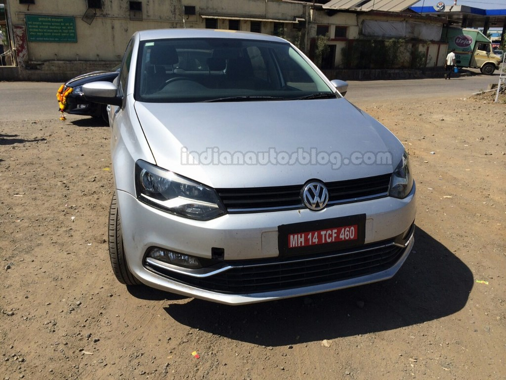 2014-new-polo-facelift-spy-pic-india-front