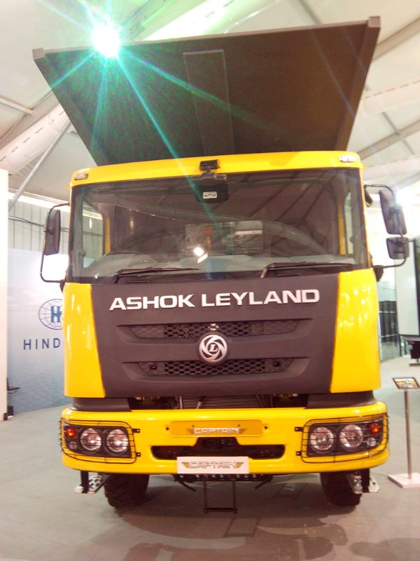 Ashok-Leyland-Captain-Series-of-Trucks-at-Auto-Expo