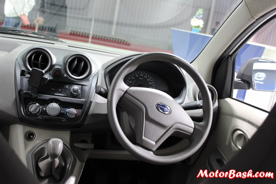 Datsun-Go+-MPV-pics-dashboard