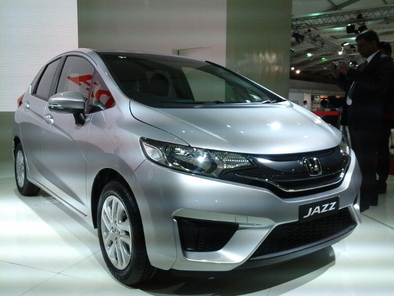 honda debuts the jazz and mobilio at the auto expo. Black Bedroom Furniture Sets. Home Design Ideas