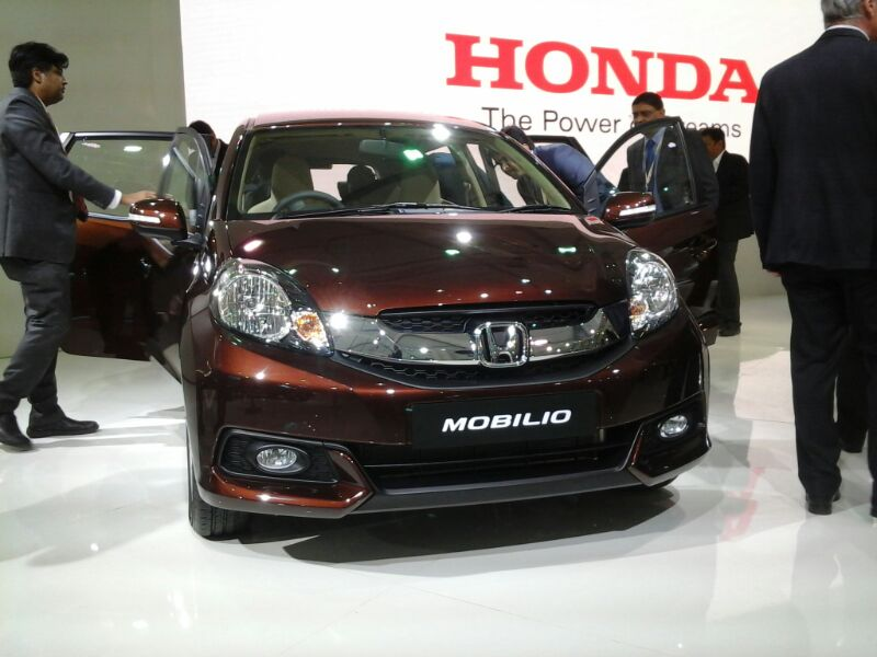 Honda-Mobilio-Unveiled-at-Auto-Expo
