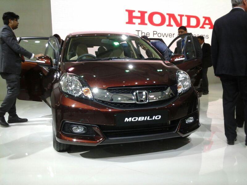 Honda-Mobilio-Unveiled-at-Auto-Expo
