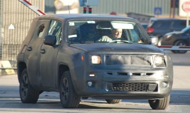 Jeep-B-SUV-Laredo-Spied