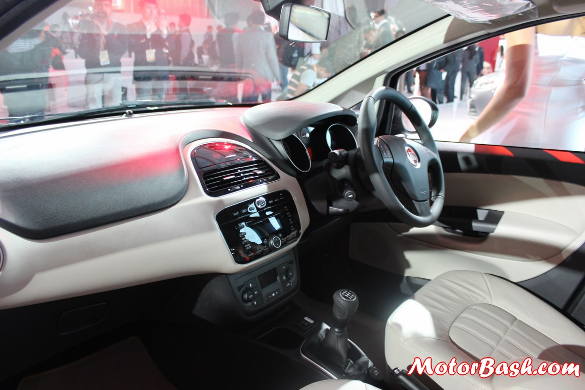 New-Fiat-Linea-facelift-dashboard-interiors-pic