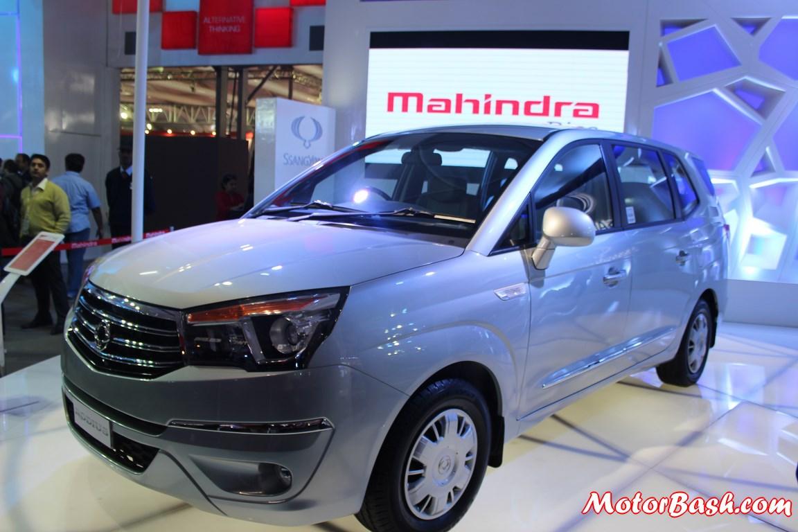 New-Mahindra-Ssangyong-rodius-11-seat-MPV (12)