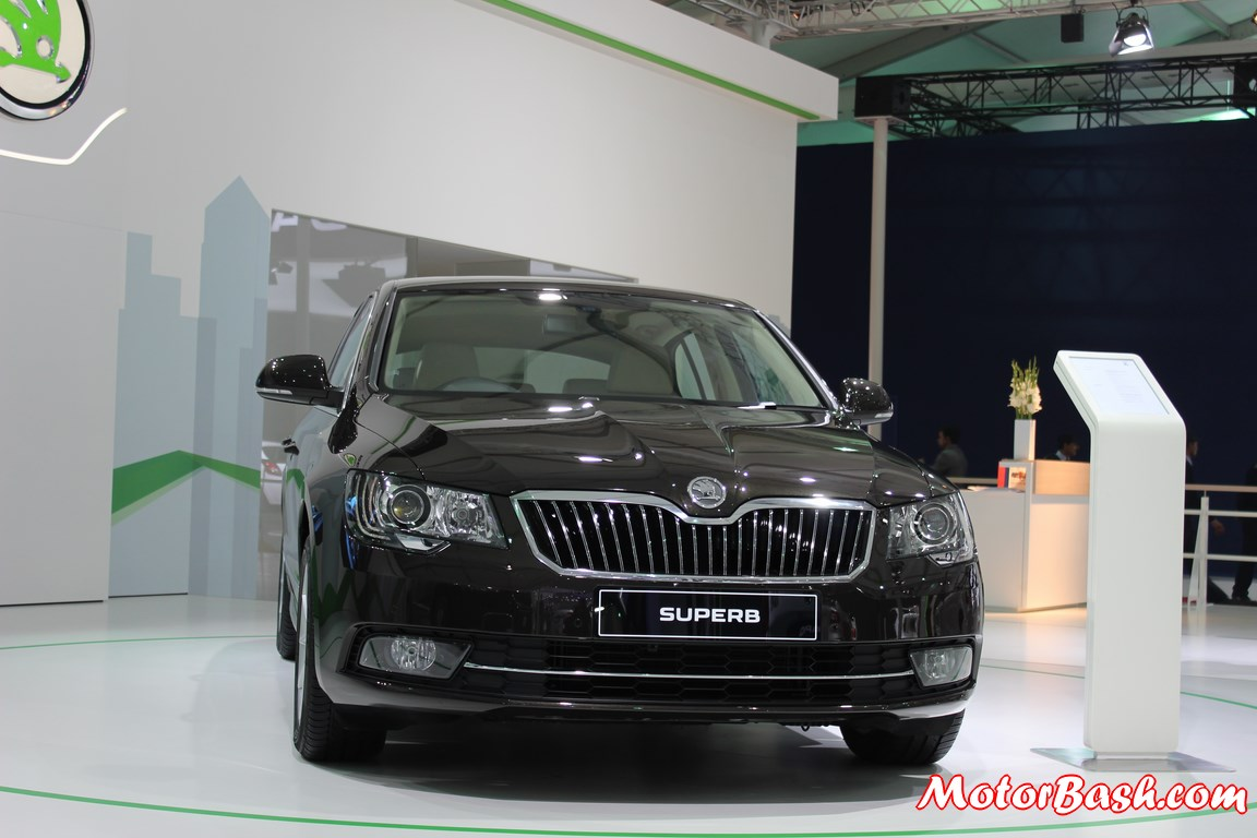 New-Skoda-Superb-facelift-Pics-front