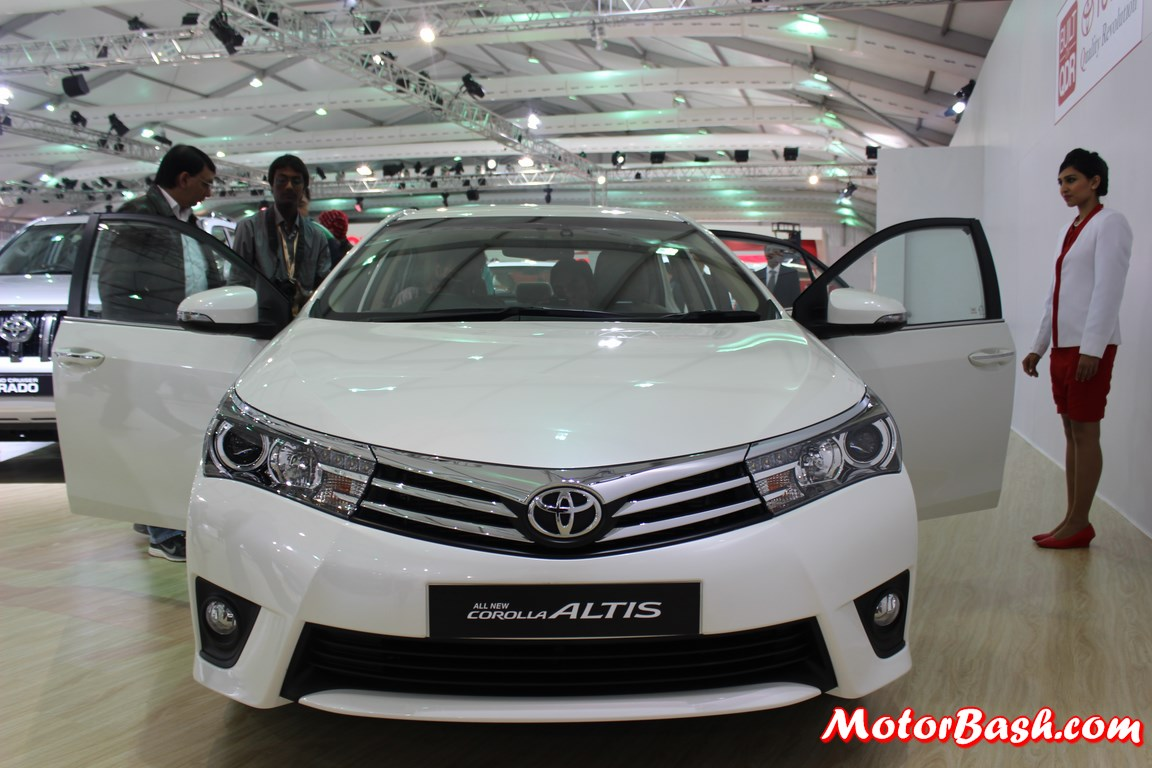 New-Toyota-Corolla-Altis-Pics-grille