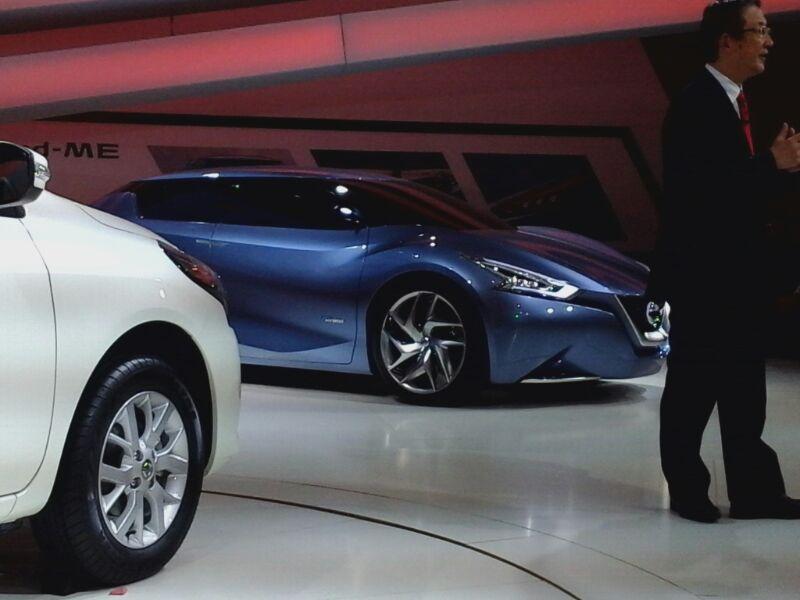 Nissan-Friend-ME-Concept-at-Auto-Expo
