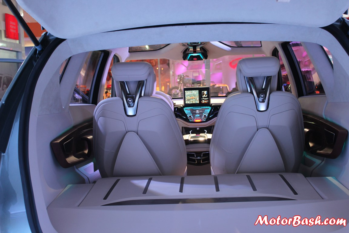 Ssangyong-LIV-1-SUV-Concept-pics-seats-dashboard