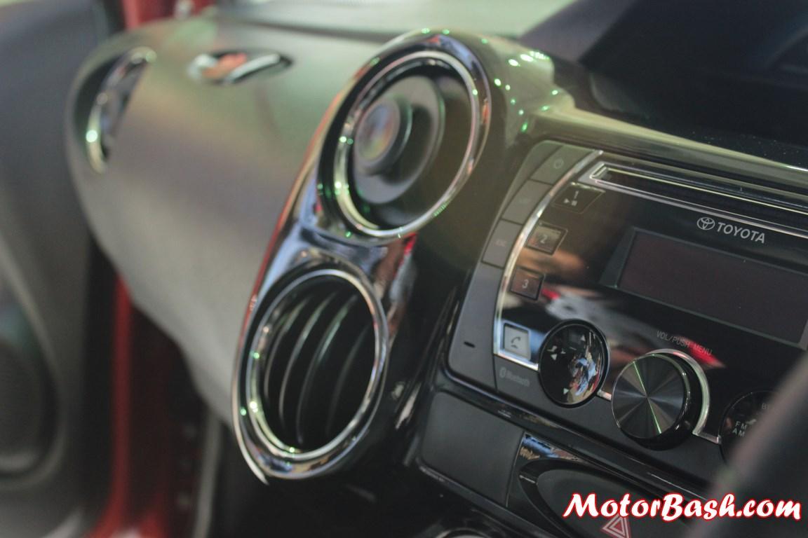 Toyota-Etios-Cross-Pics (7)
