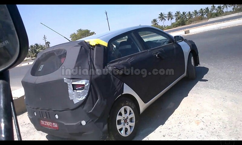 next-gen-Hyundai-i20spy-pic-rear-side