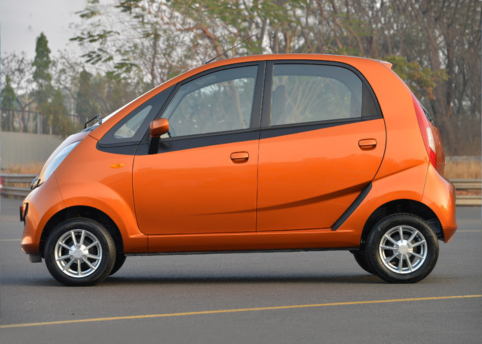 tata-nano-twist-active-pics-side
