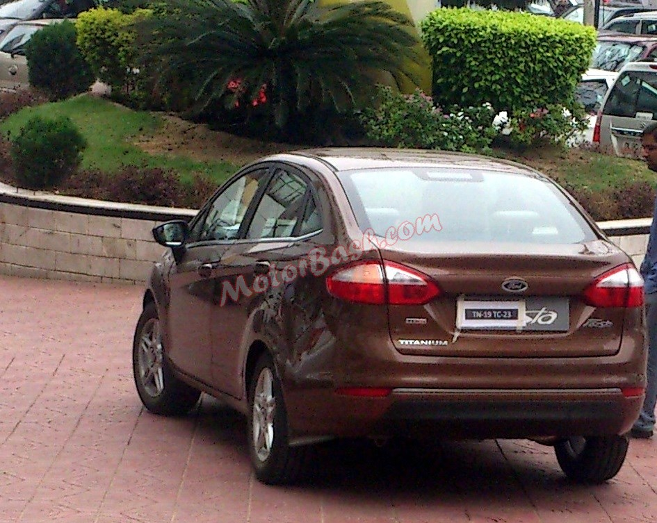 2014-Fiesta-Facelift-TDCI-Spy-Pics (4)