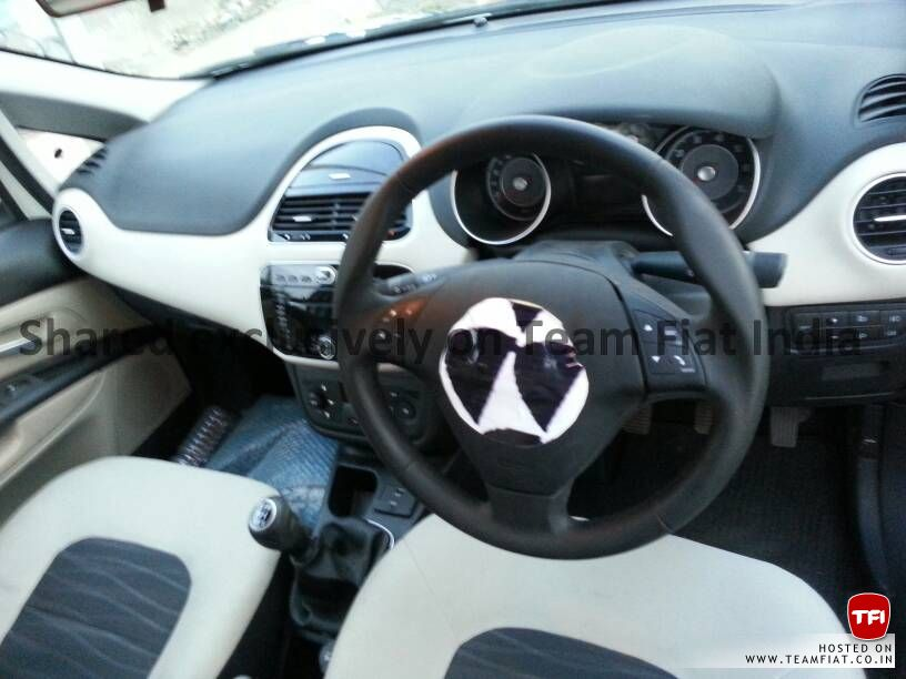 2014-Punto-facelift-dashboard