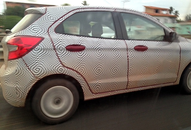 2015-Ford-ka-next-gen-figo-spy-pics (4)