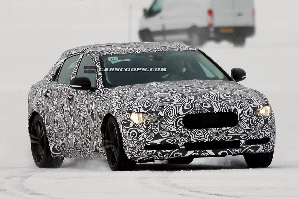 2015-Jaguar-XE-Spy-Pic (3)