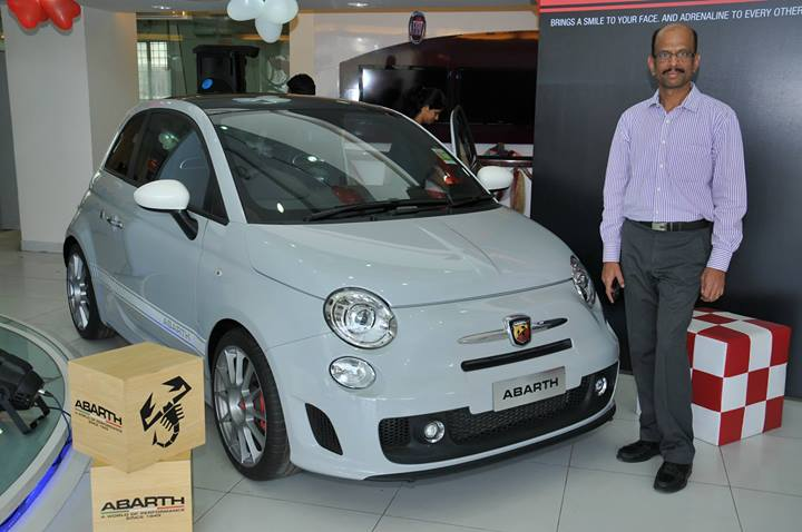 Fiat-Abarth-500-Roadshow-dealership