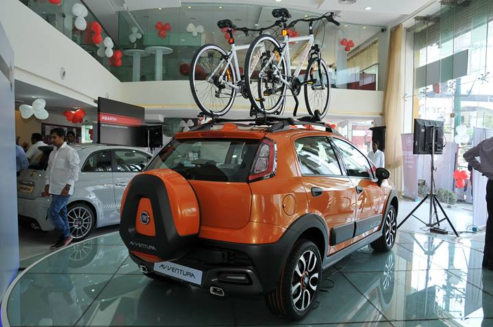 Fiat-Avventura-Roadshow-dealership (1)