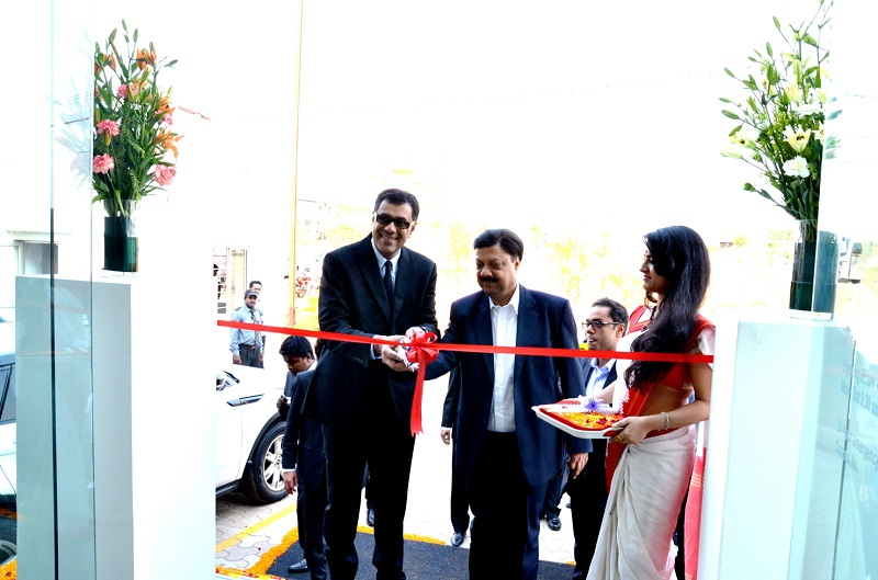 Lexus-Motors-Jaguar-Land-Rover-Bhubaneshwar-Dealership (1)