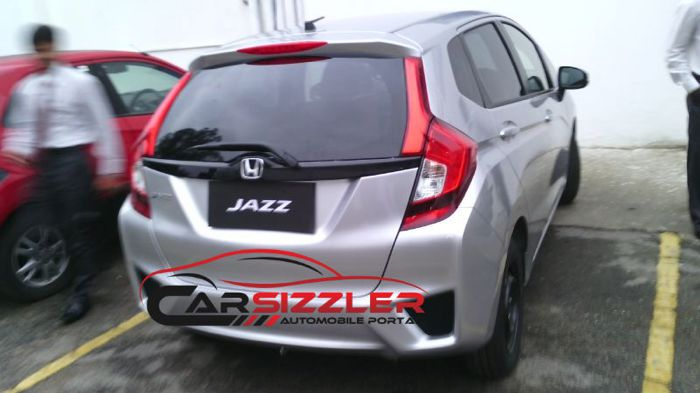 Next-Gen Honda Jazz Spotted in India: Launch Early 2015