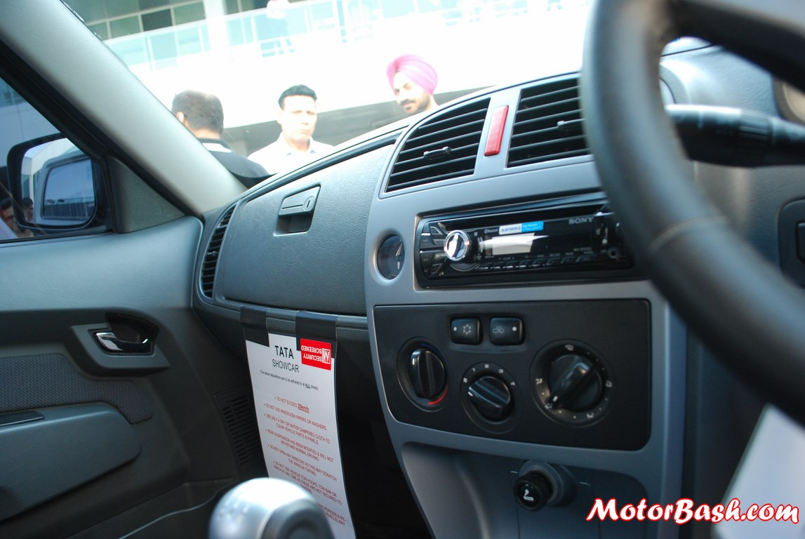 Tata-Xenon-Tuff-Truck-Pics-music-player