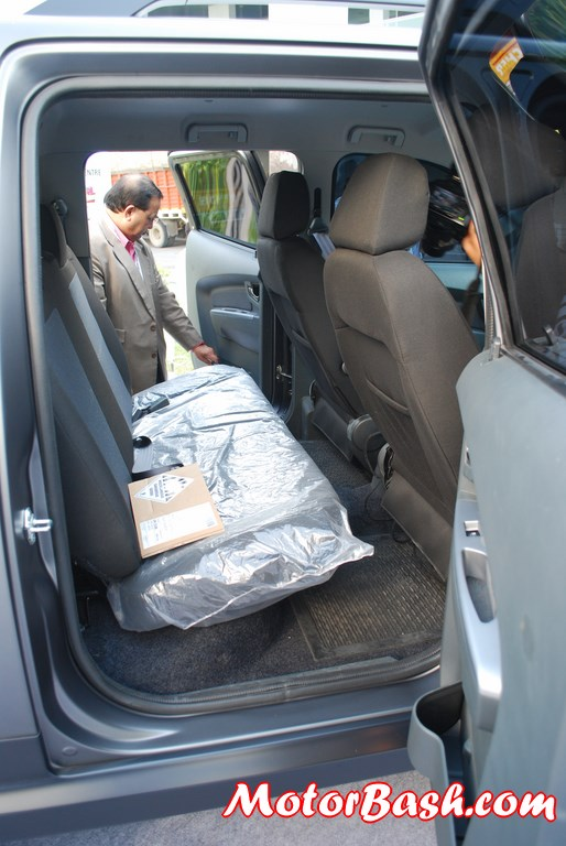 Tata-Xenon-Tuff-Truck-Pics-rear-bench