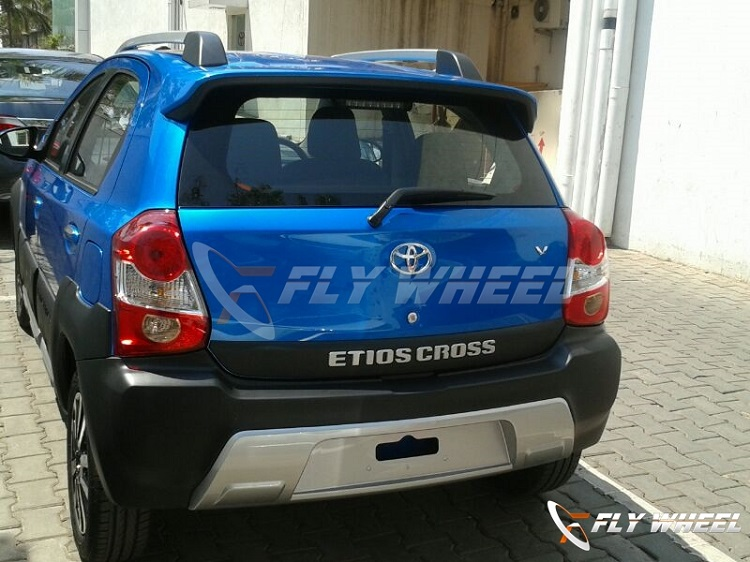 Toyota-Etios-Cross-Pic-Dealership (2)