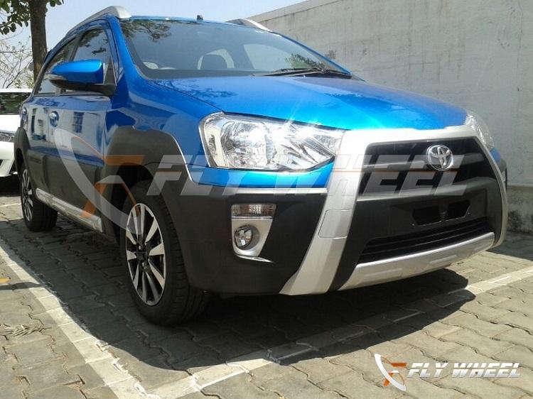 Toyota-Etios-Cross-Pic-Dealership (3)