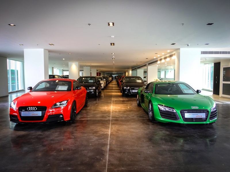 Audi-Pre-Owned-Luxury-Car-Showroom-Gurgaon (2)