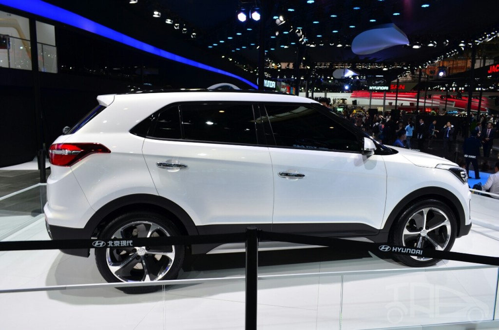 Hyundai-ix25-SUV-China-show-pics-white-side