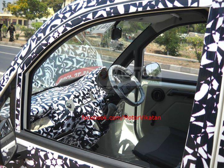 Mahindra-P601-mini-Truck-Spy-Pics-interiors