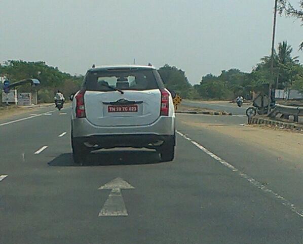 Mahindra-XUV500-Automatic-Spy-Pics (2)