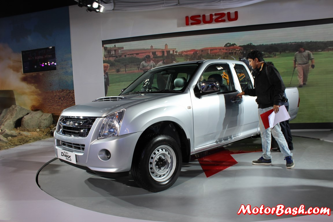 Isuzu-DMAX-Space-Cab-India (2)
