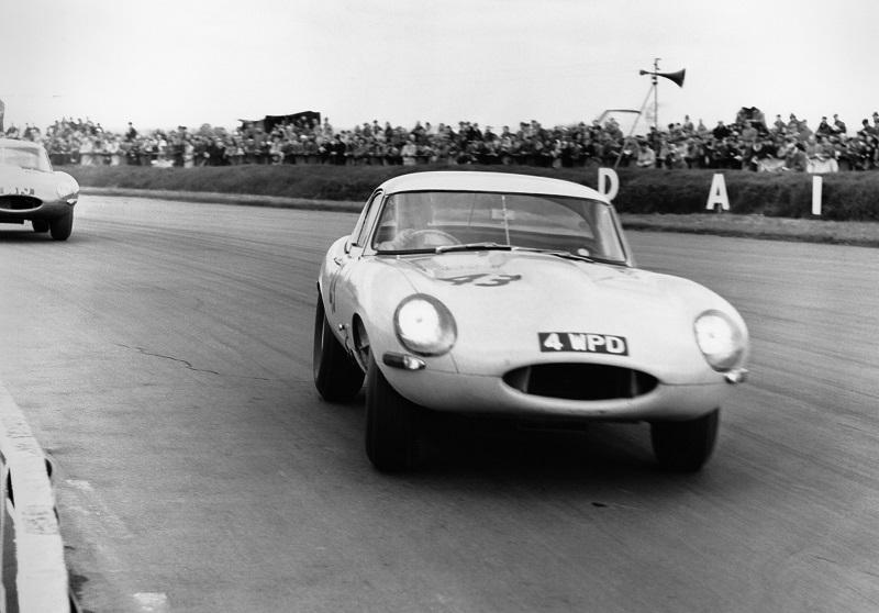 Jaguar-E-Type-Lightweight (1)